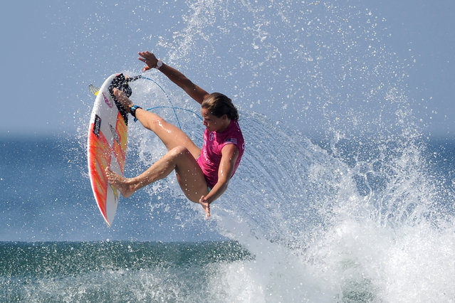Courtney Conlogue of the US performs a manouvre on a wave one day before the start of the World Surf League women's championship tour surfing event at Keramas in Gianyar on Indonesia's resort island of Bali on May 12, 2019. (Photo by Sonny Tumbelaka/AFP Photo)