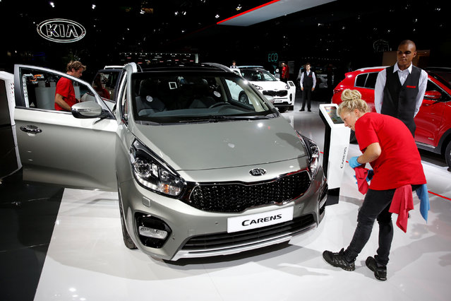The Kia Carens is displayed on media day at the Paris auto show, in Paris, France, September 29, 2016. (Photo by Benoit Tessier/Reuters)