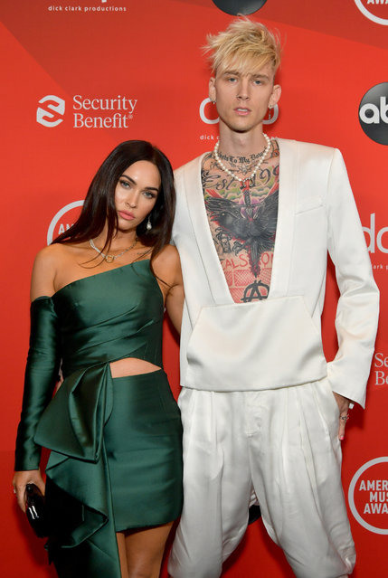 (L-R) In this image released on November 22, American actress and model Megan Fox and American rapper Machine Gun Kelly attend the 2020 American Music Awards at Microsoft Theater on November 22, 2020 in Los Angeles, California. (Photo by Emma McIntyre/AMA2020/Getty Images for dcp)