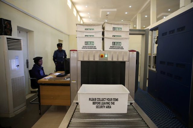 Security officers are seen at a screening station at the Hajj terminal building of the airport in Kaduna, Nigeria January 9, 2017. (Photo by Afolabi Sotunde/Reuters)