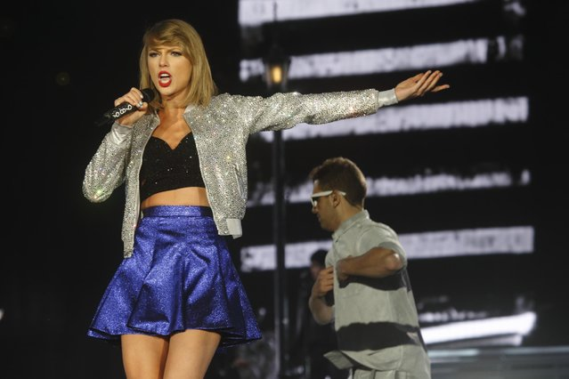 Taylor Swift performs at Rock in Rio USA at the MGM Resorts Festival Grounds on Friday, May 15, 2015, in Las Vegas. (Photo by John Davisson/Invision/AP Photo)