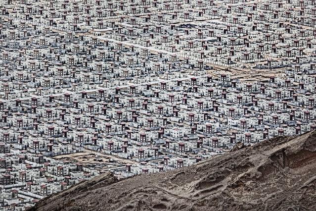 Al Ain. The new city in the desert in Muhafazat al Buraymi, Oman. (Photo by Andrzej Bochenski/NatGeo Cities Travel Photographer of the Year 2017)