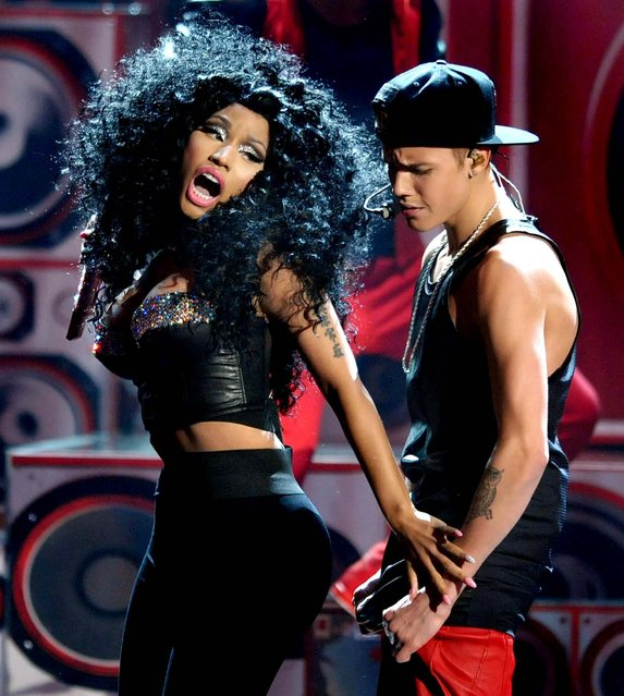 Nicki Minaj and Justin Bieber perform at the 40th Anniversary American Music Awards, November 18, 2012. (Photo by John Shearer/Invision)