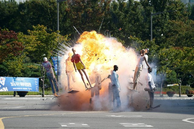 Mannequins are exploded during an anti-terror drill in Seoul, South Korea, October 6, 2016. (Photo by Kim Hong-Ji/Reuters)