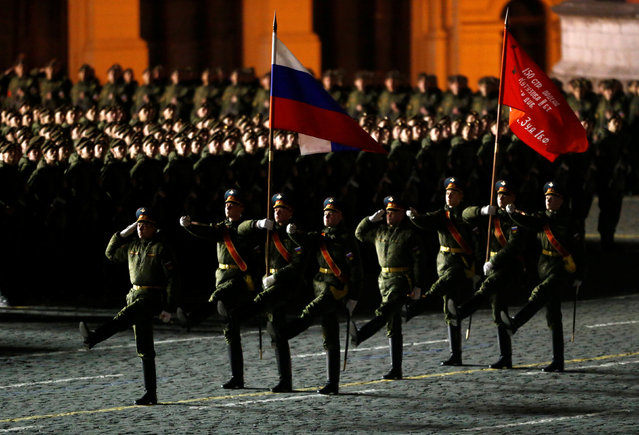 Russian servicemen march during a rehearsal for the Victory Day parade to mark the 71st anniversary of the victory over Nazi Germany in World War Two, in Red Square in Moscow, Russia, May 5, 2016. (Photo by Sergei Karpukhin/Reuters)