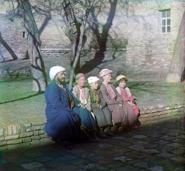 Photos by Sergey Prokudin-Gorsky. Sart schoolchildren. Russia, Samarkand, 1907