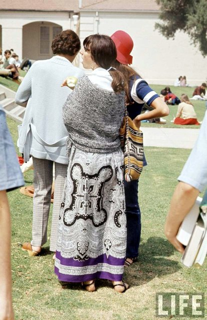 Southern California high school student wears old-fashioned tapestry skirt and wool shawl, 1969. (Photo by Arthur Schatz/Time & Life Pictures/Getty Images)