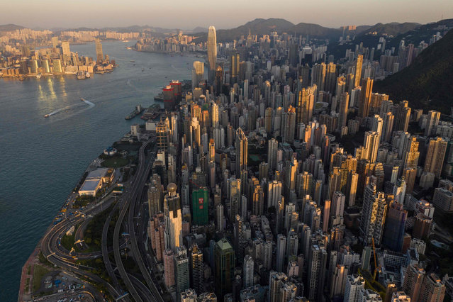 This aerial photo taken on October 30, 2018 shows a general view of Hong Kong. (Photo by Dale De La Rey/AFP Photo)