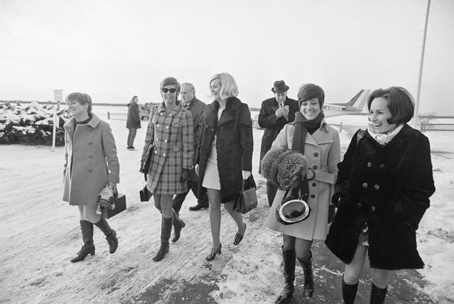 The five girls that attended the party on Chappaquiddick Island the night Mary Jo Kopechne was killed return to airport terminal from plane after trouble cropped up with the plane, Edgartown, Mass., January 8, 1970. Earlier in the day they had testified in fourth and last day of inquest into death of Miss Kopechne involving Sen. Edward Kennedy. (L-R) Rosemary Keough, Maryellen Lyons, Nance Lyons, Susan Tannenbaum and Esther Newberg. Behind-right is one of the lawyers, Daniel Daly. (Photo by Bettmann/Getty Images)