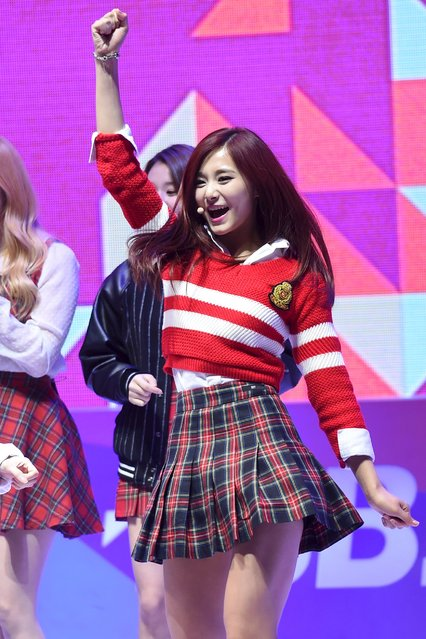 Chou Tzuyu, the only Taiwanese member of K-Pop girl group Twice, performs during the 2015 SBS Awards Festival in Seoul, South Korea, December 30, 2015. The 16-year-old Taiwan singer with the South Korean girl band inadvertently shot to the top of Taiwan's election agenda on January 16, 2016 after she publicly apologised for holding a Taiwan flag, prompting anger in Taiwan as it voted for a new president. China and Taiwan traded accusations after Chou released a video late on Friday in which she said she feels proud to be Chinese and that there is only one China, after she held the flag on a television show. (Photo by Kwon Hwon-jin/Reuters/News1)