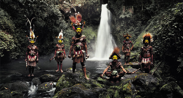 """""""Huli"""". It is believed that the first Papua New Guineans migrated to the island over 45000 years ago. Today, over 3 million people, half of the heterogeneous population, live in the highlands. Some of these communities have engaged in low-scale tribal conflict with their neighbours for millennia. (Jimmy Nelson)"""