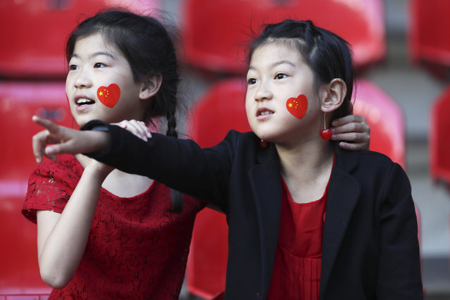 Chinese fans wait for the start of the Women's World Cup Group B soccer match between Germany and China, at the Roazhon Park stadium, in Rennes, France, Saturday, June 8, 2019. (Photo by David Vincent/AP Photo)
