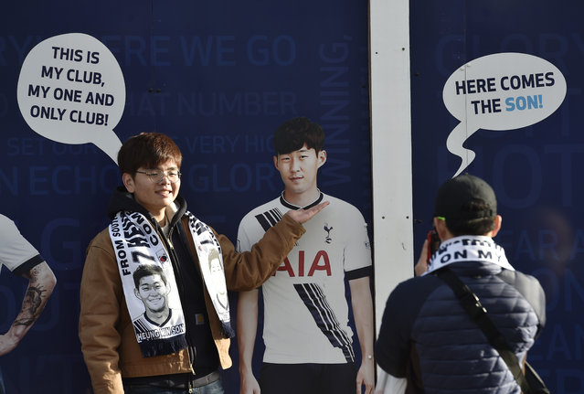 Football Soccer, Tottenham Hotspur vs Sunderland, Barclays Premier League, White Hart Lane, January 16, 2016: Tottenham fans with Heung Min Son boarding before the match. (Photo by Toby Melville/Reuters/Livepic)