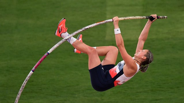 Holly Bradshaw of Team Great Britain competes in the Women's Pole Vault Final on day thirteen of the Tokyo 2020 Olympic Games at Olympic Stadium on August 05, 2021 in Tokyo, Japan. (Photo by Clodagh Kilcoyne/Reuters)