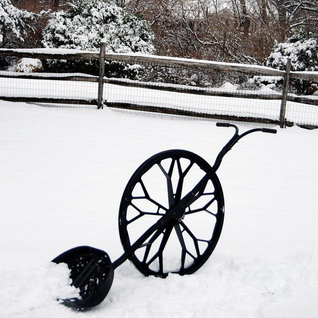 Wovel - The Ultimate Snow Shovel