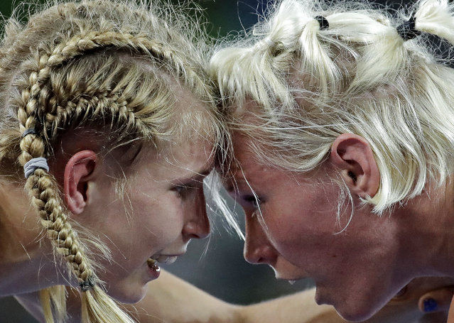 Sweden's Anna Jenny Fransson, right, competes with Germany's Aline Focken during the women's wrestling freestyle 69-kg competition at the 2016 Summer Olympics in Rio de Janeiro, Brazil, Wednesday, August 17, 2016. (Photo by Charlie Riedel/AP Photo)