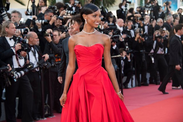 "Model Jasmine Tookes poses for photographers upon arrival at the premiere of the film ""Girls of The Sun"" at the 71st international film festival, Cannes, southern France, Saturday, May 12, 2018. (Photo by Arthur Mola/Invision/AP Photo)"