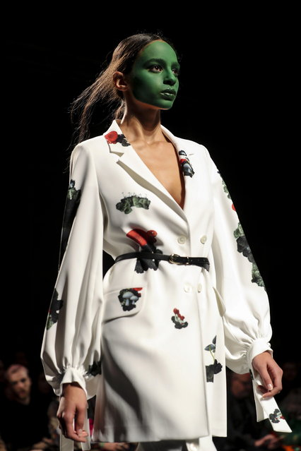 A model displays a creation by Bosnian designer Lidija Kolovrat on the second day of the Lisbon Fashion Week, at the Carlos Lopes Pavillion in Lisbon, Portugal, 09 March 2019. (Photo by Miguel A. Lopes/EPA/EFE)