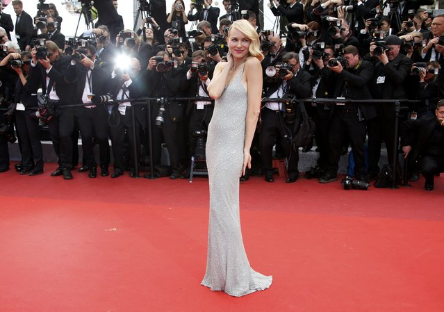 """Actress Naomi Watts poses on the red carpet as she arrives for the screening of the film """"Money Monster"""" out of competition during the 69th Cannes Film Festival in Cannes, France, May 12, 2016. (Photo by Eric Gaillard/Reuters)"""