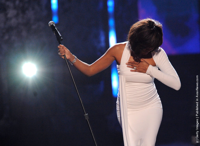 Singer Whitney Houston performs onstage at the 2009 American Music Awards at Nokia Theatre L.A. Live