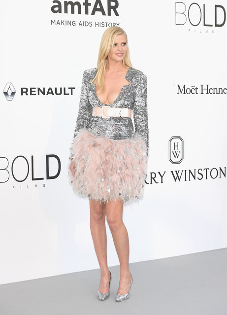 Lara Stone arrives at the amfAR Gala Cannes 2017 at Hotel du Cap-Eden-Roc on May 25, 2017 in Cap d'Antibes, France. (Photo by Venturelli/WireImage for amfAR)