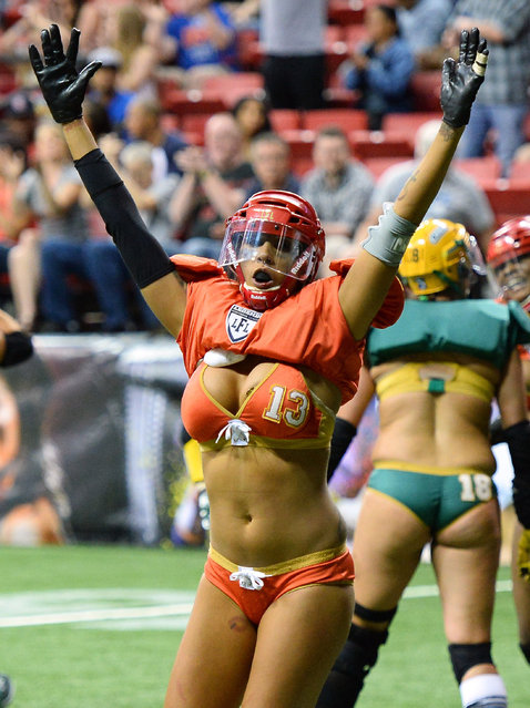 La Chelle Foreman #13 of the Las Vegas Sin celebrates after defeating the Green Bay Chill 34-24 at the Thomas & Mack Center on May 15, 2014 in Las Vegas, Nevada. (Photo by Ethan Miller/Getty Images)