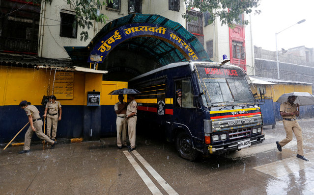 A police van waits to transport convicts guilty of involvement in a series of blasts in 1993, to a court in Mumbai, June 19, 2017. (Photo by Danish Siddiqui/Reuters)