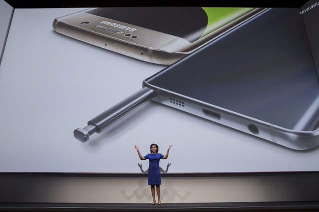 Vice President of Product Marketing for Samsung Electronics America, Alanna Cotton, speaks beneath images of a Samsung Galaxy S6 Edge+ and a Samsung Galaxy Note 5 at Samsung Galaxy Unpacked 2015 event in New York August 13, 2015. (Photo by Andrew Kelly/Reuters)