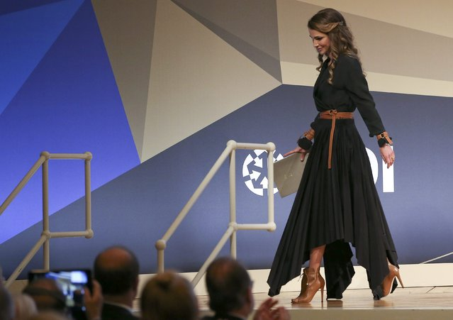 Queen Rania of Jordan leaves the stage after her speech at the Day of German Industry 2016 conference in Berlin, Germany, October 6, 2016. (Photo by Fabrizio Bensch/Reuters)