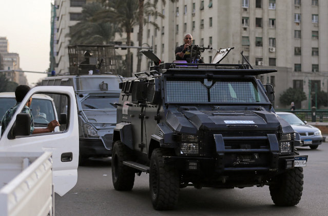 Members of security forces secure Tahrir Square in Cairo, Egypt, November 11, 2016. (Photo by Mohamed Abd El Ghany/Reuters)