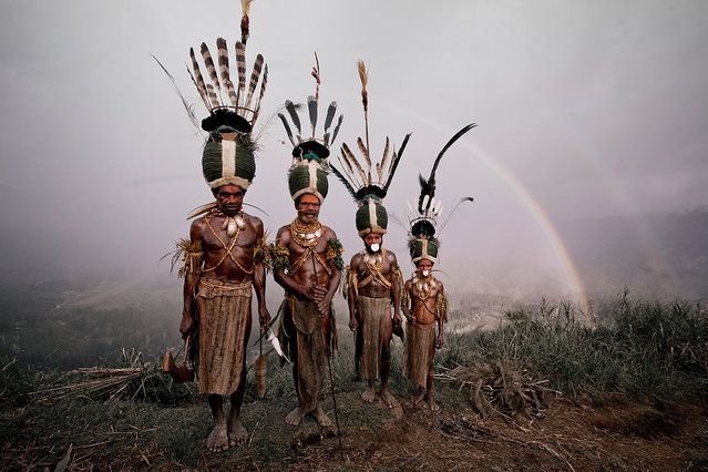 """""""Kalam"""". The eastern half of New Guinea gained full independence from Australia in 1975, when Papua New Guinea was born. The indigenous population is one of the most heterogeneous in the world. Traditionally, the different tribes scattered across the highland plateau, live in small agrarian clans. (Jimmy Nelson)"""
