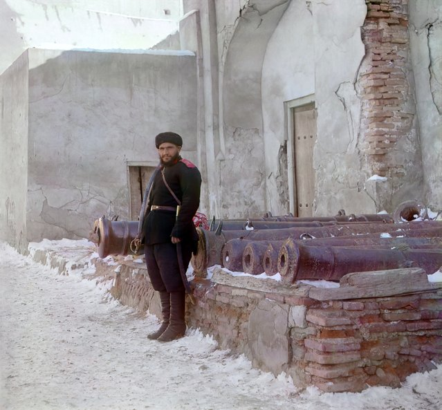 Photos by Sergey Prokudin-Gorsky. Sentry at the palace, and old cannons. Russia, Bukhara, 1911