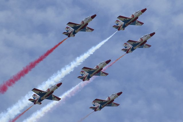Pakistani Air Force pilots perform during a ceremony marking Pakistan Defence Day in Islamabad, Pakistan, September 6, 2015. (Photo by Faisal Mahmood/Reuters)