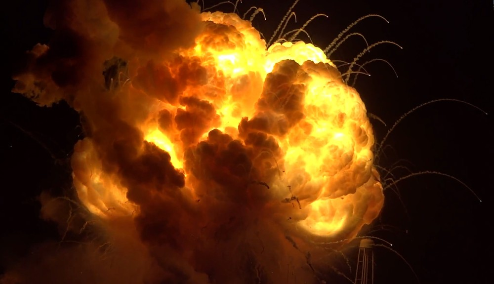 NASA's Antares Rocket Explodes Just After Blast-Off (Video)