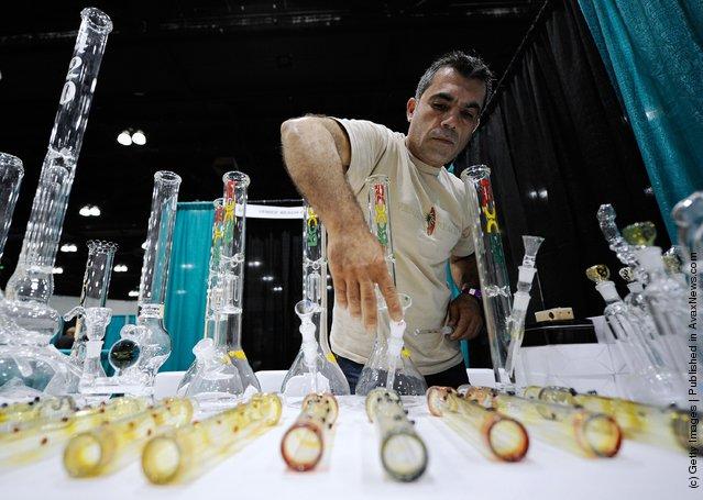 HempCon 2011 Medical Marijuana Expo, pipes