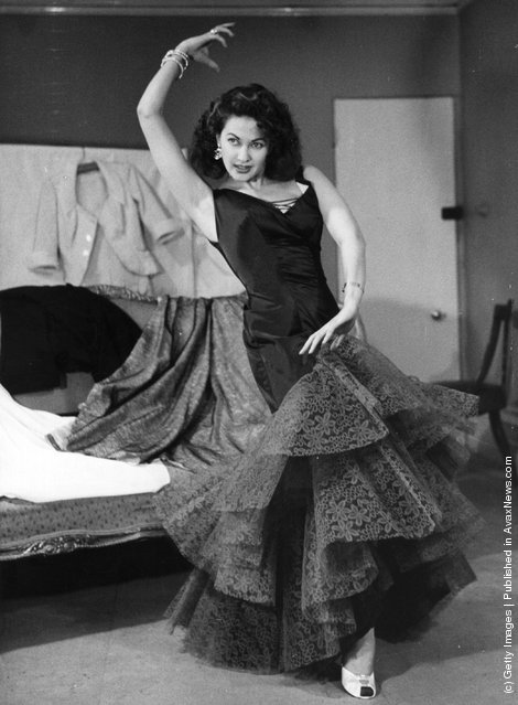 Flamenco,  Yvonne De Carlo