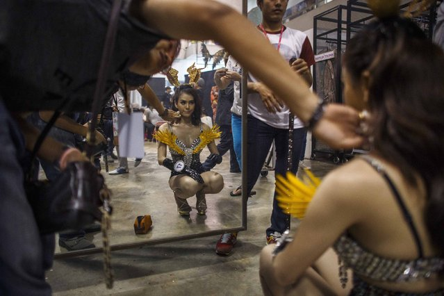 Treetipnipa Tippapada prepares for the competition. (Photo by Athit Perawongmetha/Reuters)
