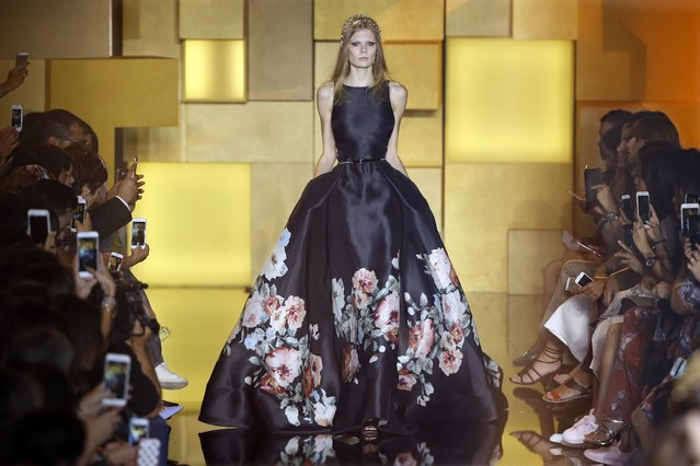 A model presents a creation by Lebanese designer Elie Saab as part of his Haute Couture Fall Winter 2015/2016 fashion show in Paris, France, July 8, 2015. (Photo by Charles Platiau/Reuters)