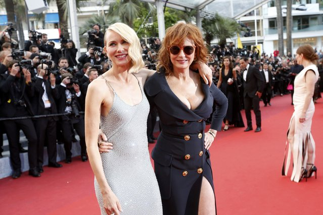 """Actresses Susan Sarandon and Naomi Watts pose on the red carpet as they arrive for the screening of the film """"Money Monster"""" out of competition during the 69th Cannes Film Festival in Cannes, France, May 12, 2016. (Photo by Jean-Paul Pelissier/Reuters)"""