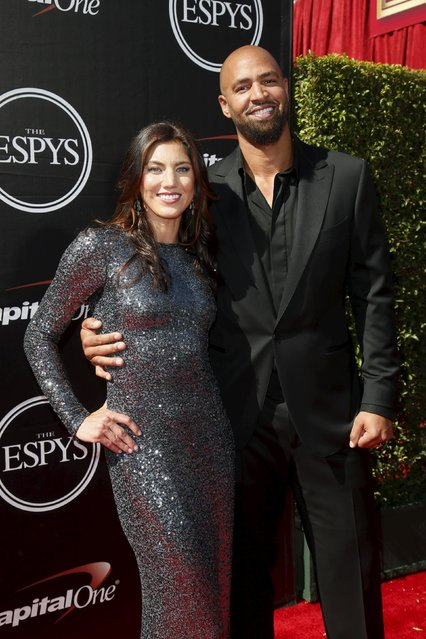 U.S. Women's National Team soccer goalkeeper Hope Solo and former NFL football player Jerramy Stevens arrive for the 2015 ESPY Awards in Los Angeles, California July 15, 2015. (Photo by Danny Moloshok/Reuters)
