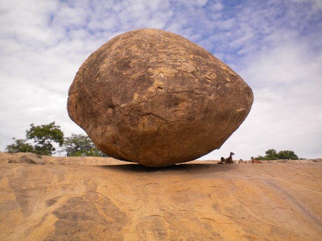 Mahabalipuram, India – The Krishna butter ball