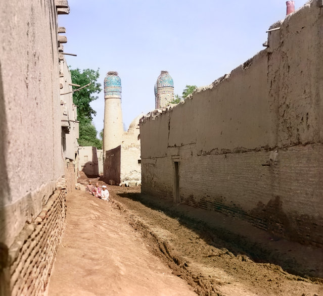 Photos by Sergey Prokudin-Gorsky. Street in Bukhara, leading to Char-Minar mosque. Russia, Emirate of Bukhara, Bukhara area, 1911