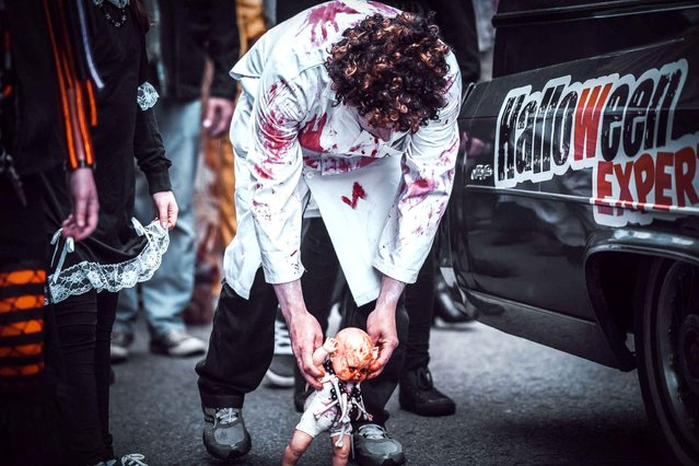Zombie Walk in Montreal, Canada, on October 19, 2014. (Photo by Philippe Nguyen/NEWSCOM/SIPA Press)