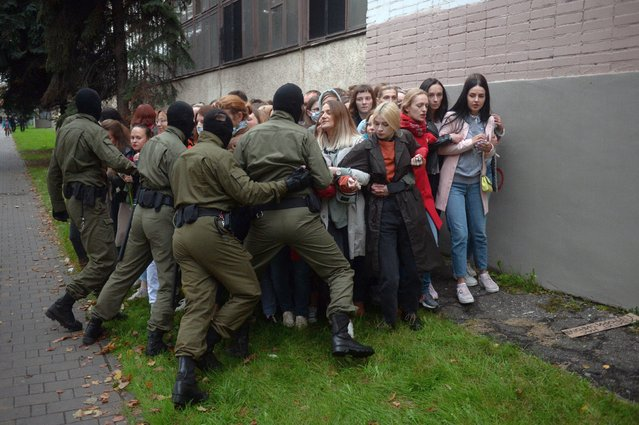 Belarus women, opposition activists resist the police attempt to detain them, as they gathered to support their current leader Maria Kolesnikova, in Minsk, Belarus, 08 September 2020. According to media reports citing eyewitnesses and fellow campaign members, Kolesnikova was detained by unidentified persons in Minsk on 07 September and taken to the border with Ukraine early 08 September to be deported, which she reportedly refused by ripping up her passport. The Belarusian State Border Committee confirmed the detention of Maria Kolesnikova on the border. (Photo by EPA/EFE/Stringer)