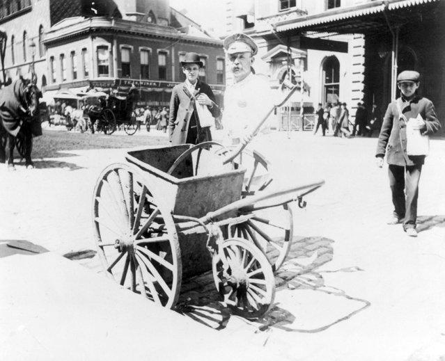 Street sweeper and handcart. New York City, circa 1896. (Photo by Elizabeth Alice Austen)