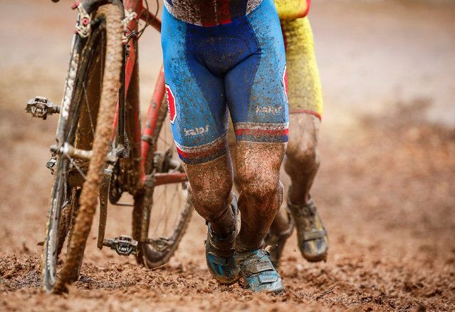Riders in action during the men's under 23 competition at the Cyclo Cross World Championships in Biels, Luxembourg, 29 January 2017. (Photo by Julien Warnand/EPA)