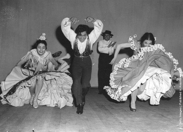 Flamenco, Spanish dancer Antonio with Carmen Rojas, left, and Rosita Segovia