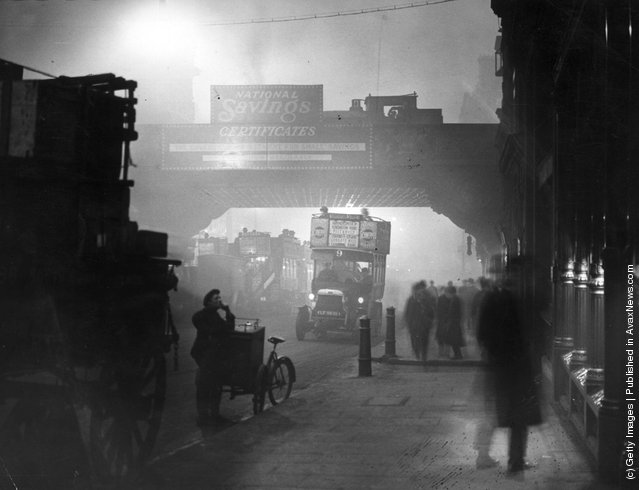 1922: Fog at Ludgate Circus, London