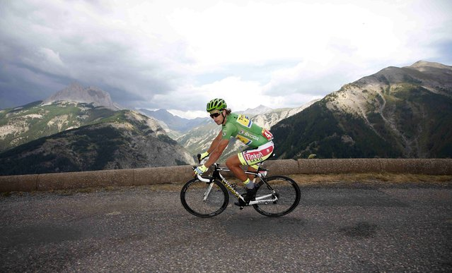 Tinkoff-Saxo rider Peter Sagan of Slovakia rides downhill in the Allos pass during the 161-km (100 miles) 17th stage of the 102nd Tour de France cycling race from Digne-les-Bains to Pra Loup in the French Alps mountains, France, July 22, 2015. (Photo by Eric Gaillard/Reuters)