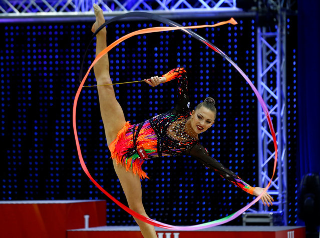 Belarussian rhythmic gymnast Melitina Staniouta performs during BSB Bank World Cup 2016 in Minsk, May 21, 2016. (Photo by Vasily Fedosenko/Reuters)